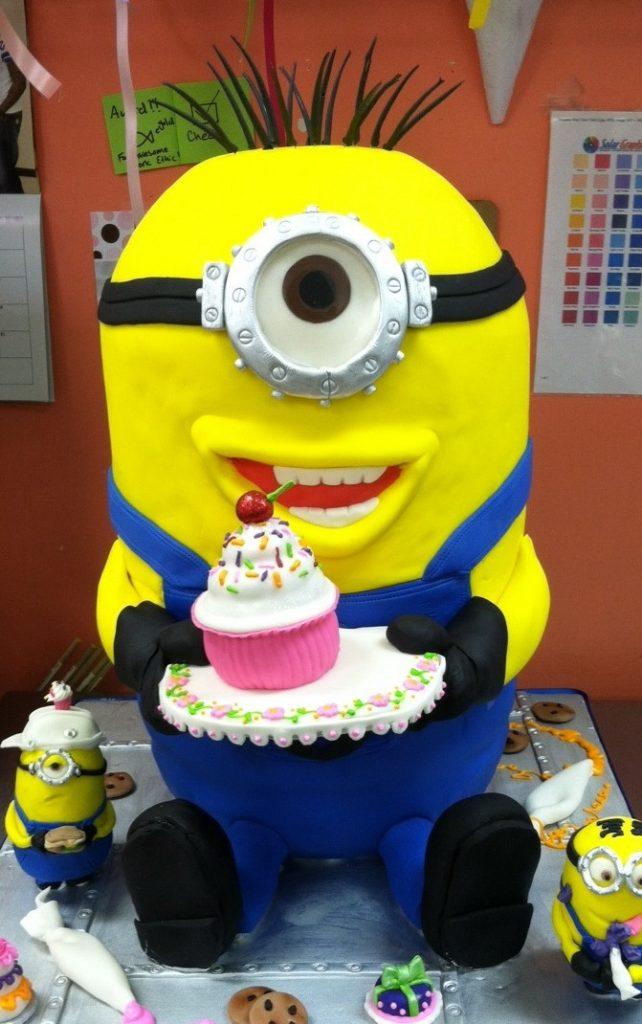 minion cake design